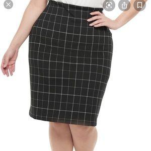 Evri black and white plaid knit pencil skirt!